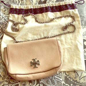 Peachy/nude Tory Burch shoulder bag with chains
